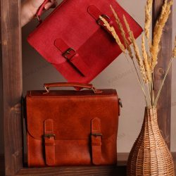 کیف چرم زنانه جادار متفاوت ضد آب