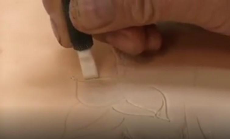 فیلم آموزشی حکاکی روی چرم